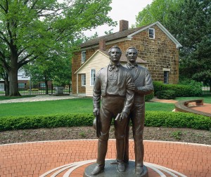Sculptures of Joseph and Hyrum Smith
