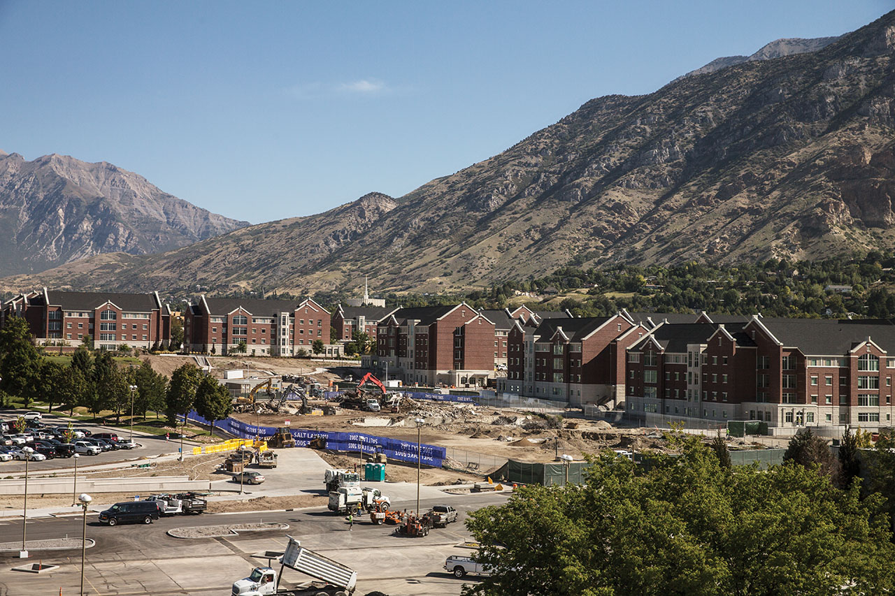 2015 view of BYU housing units.