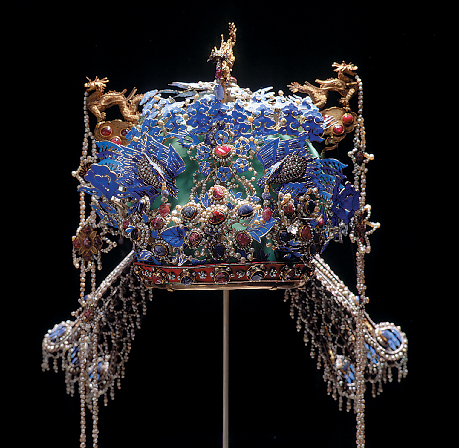 A very elaborate, square crown.